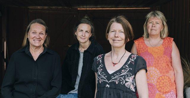 Fyra kvinnor.